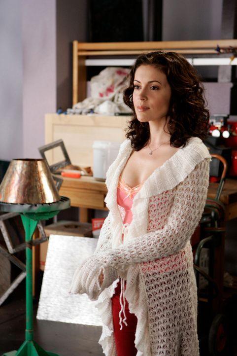 Phoebe (Alyssa Milano) glaubt schwanger zu sein und muss nun Dex, der eigentlich nichts mehr mit ihr zu tun haben möchte,  beibringen, dass er der v... - Bildquelle: Paramount Pictures