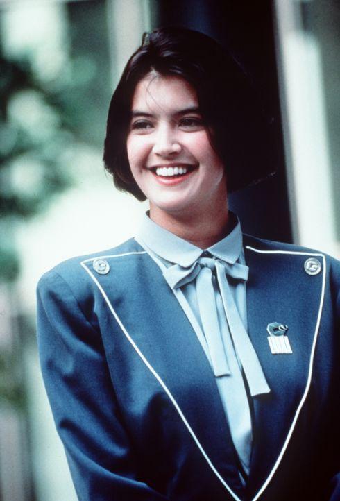 Die hübsche Kate (Pheobe Cates) hat sich geschworen, nie wieder einen Gremlin sehen zu müssen. Doch als sie zusammen mit Billy versucht den kleinen... - Bildquelle: Warner Bros.