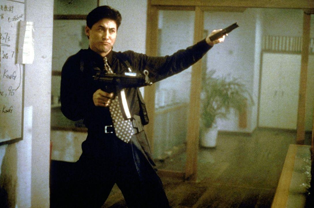 Jackie Chan (Jackie Chan) gelingt es, den weltweit gesuchten Gangster Cougar dingfest zu machen. Doch der büchst schon bald wieder aus ... - Bildquelle: New Line Cinema