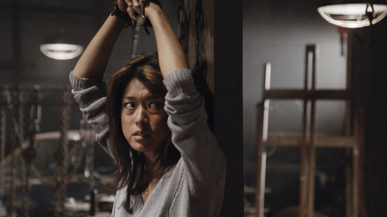 Halloween entwickelt sich für Kono (Grace Park) zum absolutem Horrortrip, als sie plötzlich um ihr Leben bangen muss ... - Bildquelle: Norman Shapiro 2016 CBS Broadcasting, Inc. All Rights Reserved / Norman Shapiro