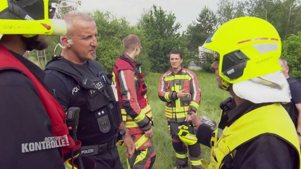Achtung Kontrolle - Achtung Kontrolle! - Thema U.a.: Ein Schwerer Verkehrsunfall Hält Die Bundespolizei Bad Brambach In Atem