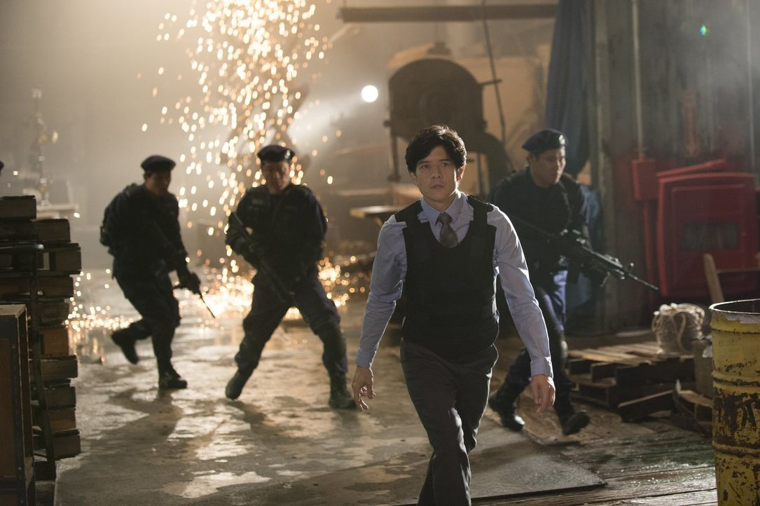 Als eine chinesische Verbrecherorganisation in den USA immer präsenter und gefährlicher wird, schickt das Police Department in Hong Kong Detective L... - Bildquelle: Warner Brothers