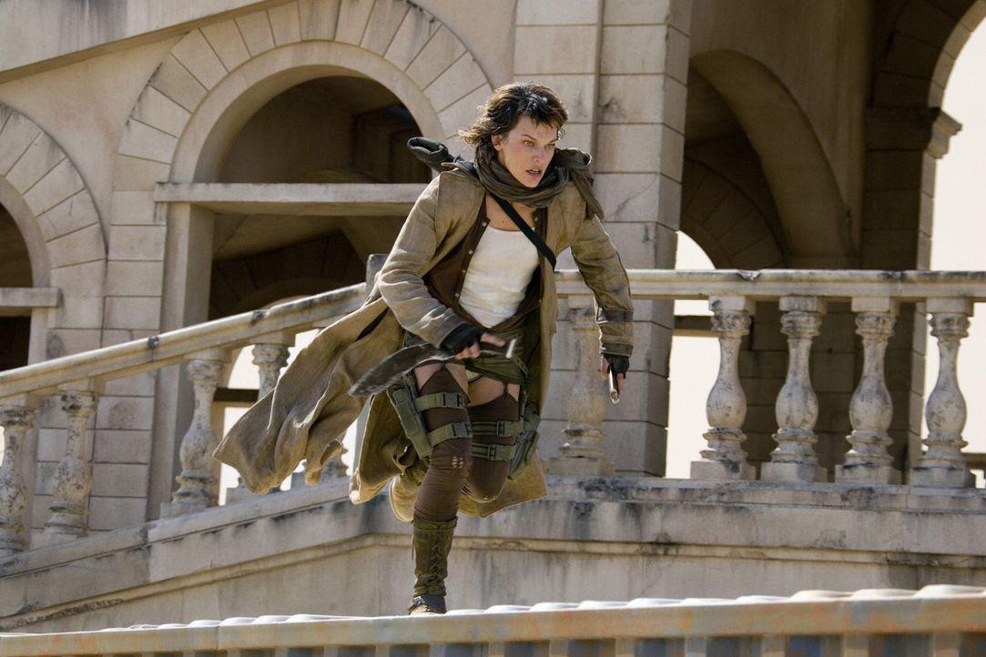 Wie immer steckt die Umbrella Corporation hinter allem Übel: Alice (Milla Jovovich) nutzt ihre Kräfte, um gegen das Böse zu kämpfen ... - Bildquelle: Constantin Film