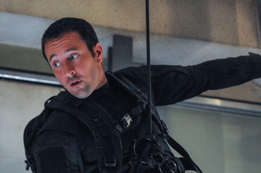 Auf Steve (Alex O'Loughlin) wartet eine ganz besondere Mission ... - Bildquelle: 2013 CBS Broadcasting, Inc. All Rights Reserved.