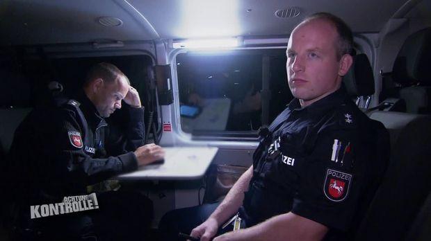 Achtung Kontrolle - Achtung Kontrolle! - Thema U.a.: Versicherungsbetrug Durch Absichtlichen Unfall? - Polizei Osnabrück
