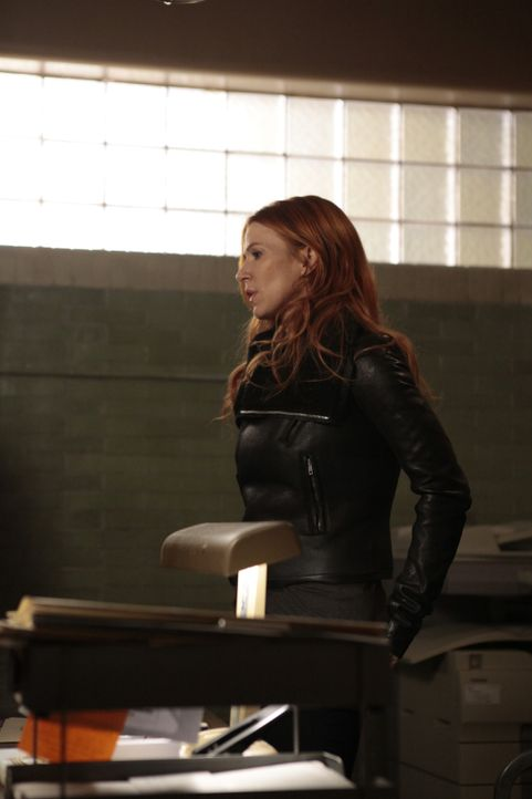 Untersucht einen neuen Mordfall und bekommt dabei ungewöhnliche Unterstützung: Carrie (Poppy Montgomery) ... - Bildquelle: 2011 CBS Broadcasting Inc. All Rights Reserved.