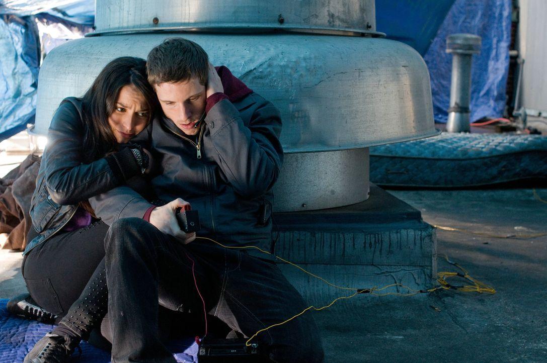 Was für eine Rolle spielen Joey (Jamie Bell, r.) und Angie (Genesis Rodriguez, l.) im riskanten Plan von Nick Cassidy? - Bildquelle: 2011 Concorde Filmverleih GmbH