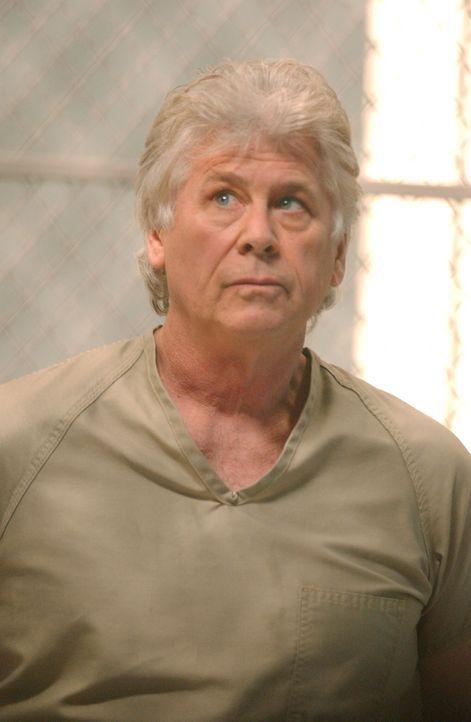 Die Staatsanwaltschaft Jersey bittet um Hilfe. 1980 erklärte sich der Serienmörder Roy Anthony (Barry Bostwick) bereit, auch die Taten zu gestehen,... - Bildquelle: Warner Bros. Television