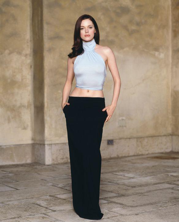 (4. Staffel) - Paige (Rose McGowan) besitzt die Fähigkeit, mittels Gedankenkraft sich selbst und andere Gegenstände von Ort zu Ort zu bewegen. - Bildquelle: Paramount Pictures