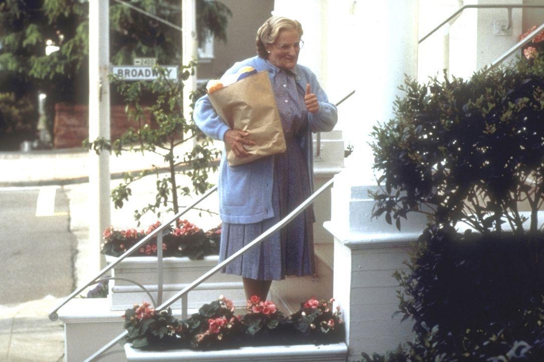 Um seine Kinder häufiger sehen zu können, greift Daniel (Robin Williams) zu einem Trick: Er verkleidet sich als 'Mrs. Doubtfire' und übernimmt die H... - Bildquelle: 20th Century Fox