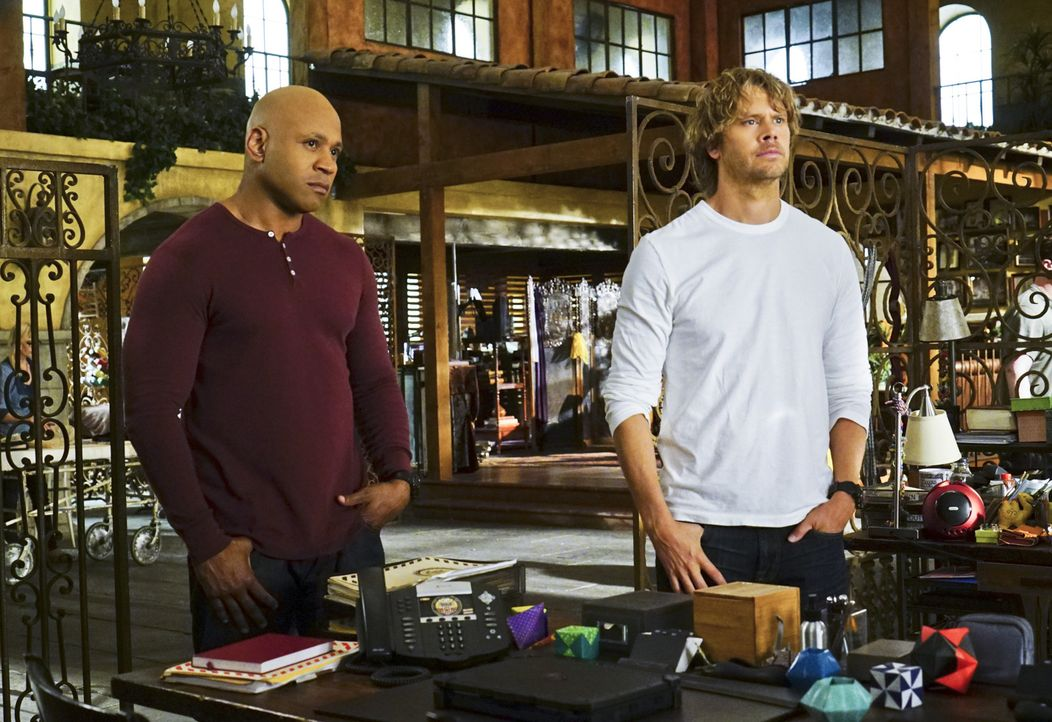 Ein schwieriger Fall wartet auf die Special Agents, Sam (LL Cool J, l.) und Deeks (Eric Christian Olsen, r.) ... - Bildquelle: Richard Cartwright 2015 CBS Broadcasting, Inc. All Rights Reserved.