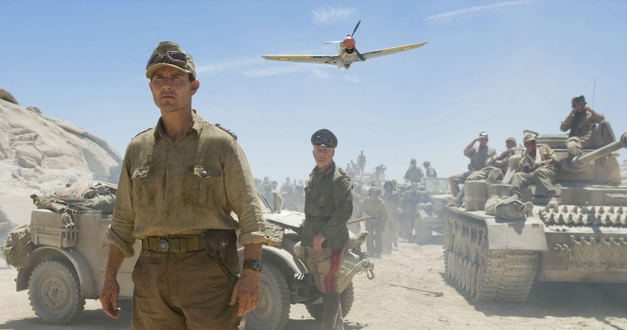 1943: Der Offizier Claus Schenk Graf von Stauffenberg (Tom Cruise) ist in Tunesien stationiert, als ihm klar wird, dass die politischen Entscheidung... - Bildquelle: Phil Bray 2008 Metro-Goldwyn-Mayer Studios Inc.