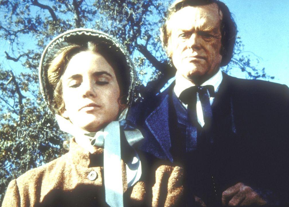 Laura (Melissa Gilbert, l.) will nicht, dass Doktor Baker (Kevin Hagen, r.) an der Beerdigung ihres Kindes teilnimmt. - Bildquelle: Worldvision