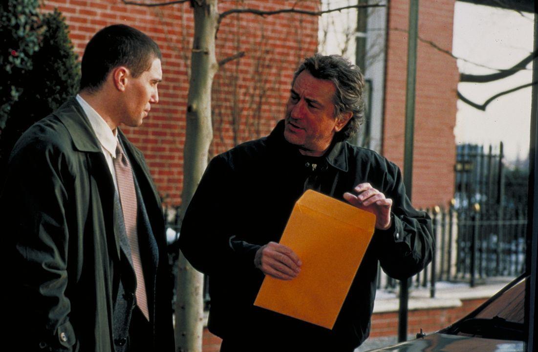 Dave Simon (Anson Mount, l.); Detective Vincent LaMarca (Robert De Niro, r.) - Bildquelle: Beta Film