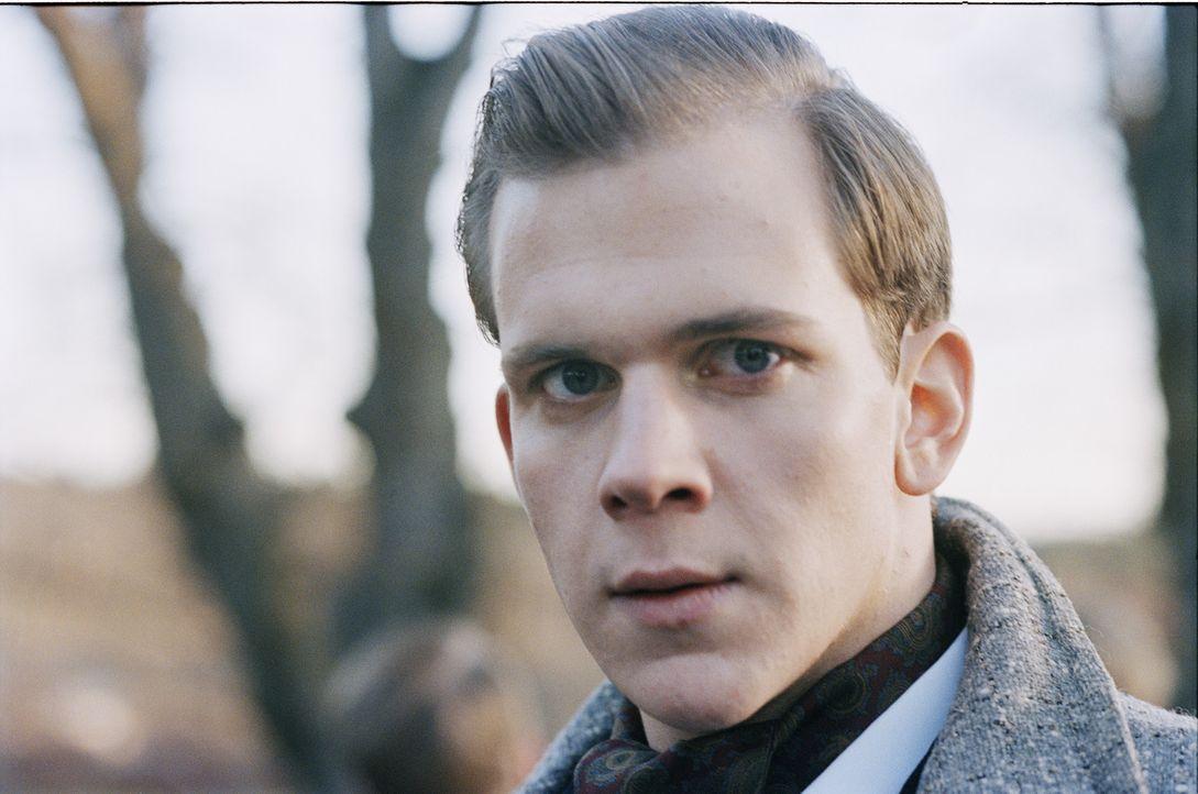 """Der sadistische """"Evil"""" Otto Silverhielm (Gustaf Skarsgård) hat seine eigenen Wege, sich Respekt zu verschaffen ... - Bildquelle: MFA Filmdistribution"""