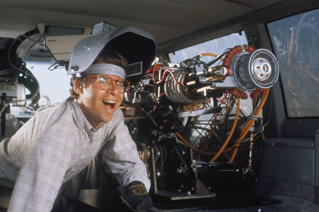 Dem genialen Erfinder Wayne Szalinski (Rick Moranis) gelingt es, einen Vergrößerungsstrahler zu bauen. Da geschieht etwas Unfassbares ... - Bildquelle: Walt Disney