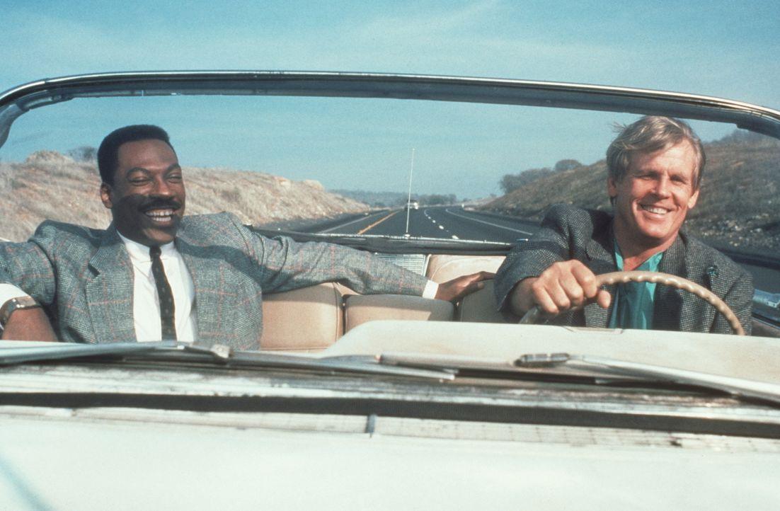 Obwohl sich Reggie (Eddie Murphy, l.) geschworen hat, nie wieder mit Jack (Nick Nolte, r.) Polizist zu spielen, sind die beiden wieder auf Verbreche... - Bildquelle: Paramount Pictures