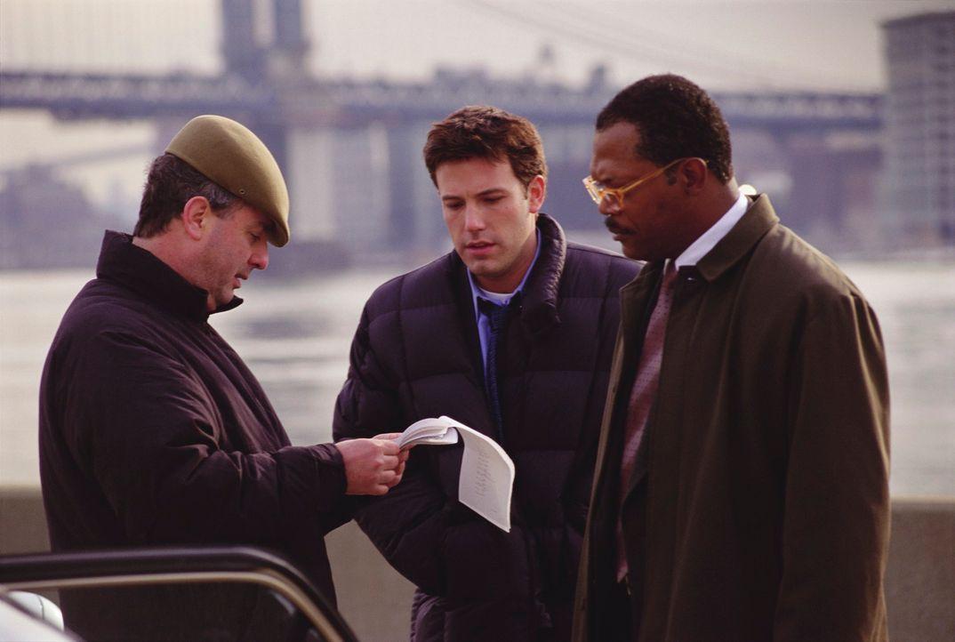 (v.l.n.r.) Regisseur Roger Michell und seine Hauptdarsteller Ben Affleck und Samuel L. Jackson - Bildquelle: Kerry Hayes TM & Copyright   2002 by Paramount Pictures. All Rights Reserved.