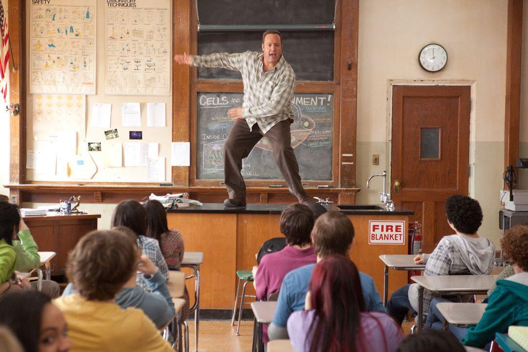 Ein Lehrer, der noch daran glaubt, dass man für seine Schüler kämpfen muss: Scott Voss (Kevin James) ... - Bildquelle: Sony Pictures Television. All Rights Reserved.