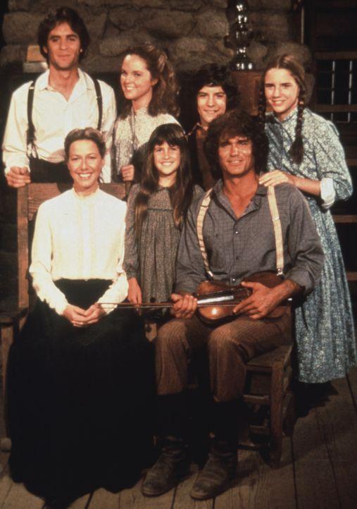 (v.l.n.r.) Adam Kendall (Linwood Boomer); Caroline Ingalls (Karen Grassle); Mary Ingalls (Melissa Sue Anderson); Carrie Ingalls (Lindsay Sidney Gree... - Bildquelle: 1974-1983 NBCUniversal All Rights Reserved