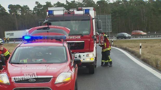 Achtung Kontrolle - Achtung Kontrolle! - Thema U.a.: überschlagener Pkw Auf Der Autobahn - Rtw Nürnberg
