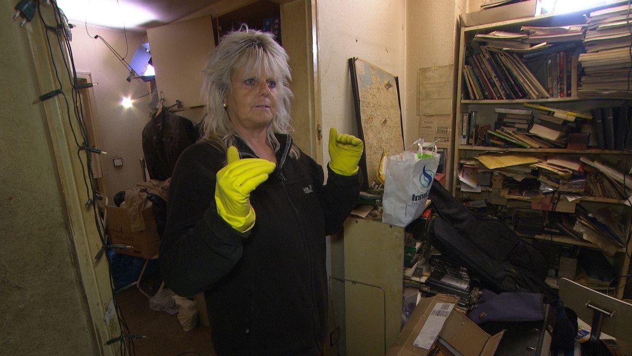 Die 53-Jährige Doris putzt und schrubbt täglich alle neun Zimmer ihrer Villa - bis zu acht Stunden pro Tag ... - Bildquelle: kabel eins