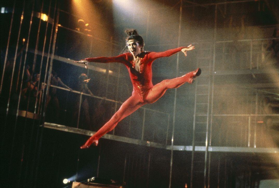 Sie ist der unumstrittene Star auf der Bühne: Laura (Finola Hughes) - Bildquelle: Paramount Pictures