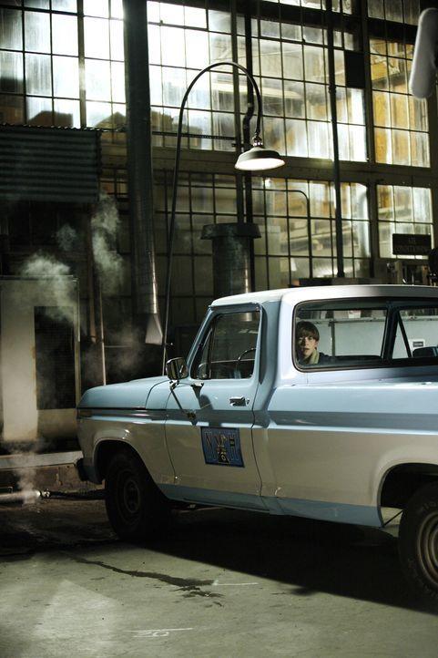 Schon bald wird Ryan Bynum (Wyatt Smith) bereuen, dass er mit dem Truck seines Onkels gefahren ist ... - Bildquelle: Warner Bros. Entertainment Inc.
