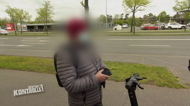 Achtung Kontrolle - Achtung Kontrolle! - Thema U.a: Volle Fahrt Voraus! E-scooter Fahrer Sieht Nur Grün