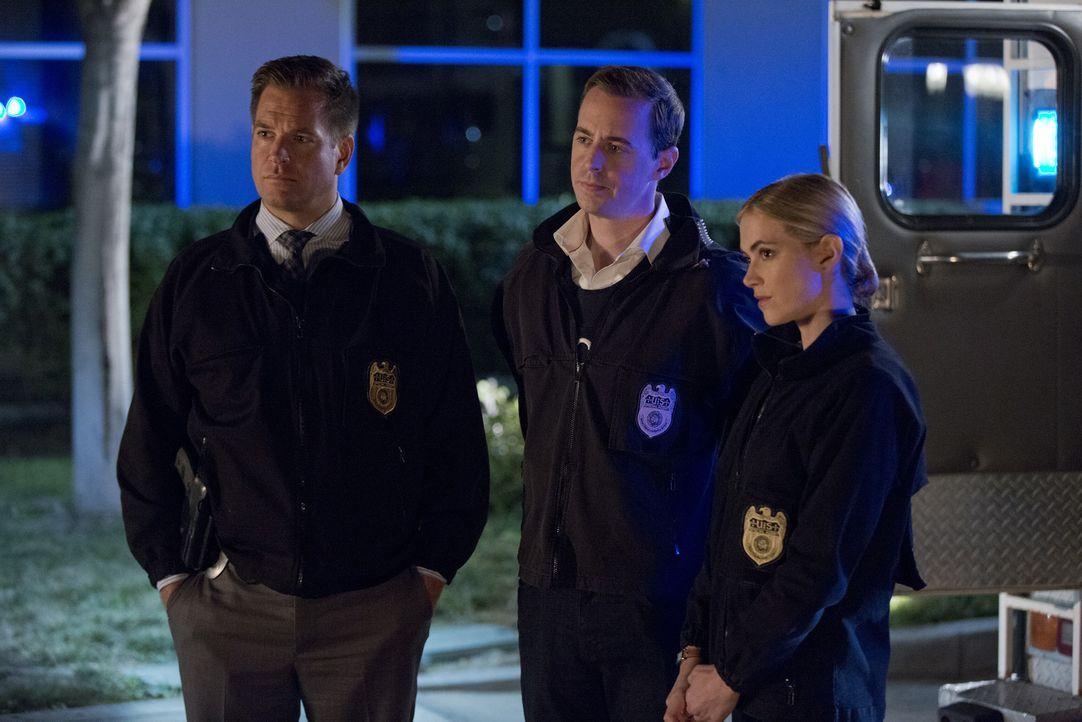Bei den Ermittlungen in einem neuen Fall, gerät Vance in eine äußerst ungemütliche Situation. Doch können Tony (Michael Weatherly, l.), McGee (Sean... - Bildquelle: Monty Brinton CBS Television / Monty Brinton