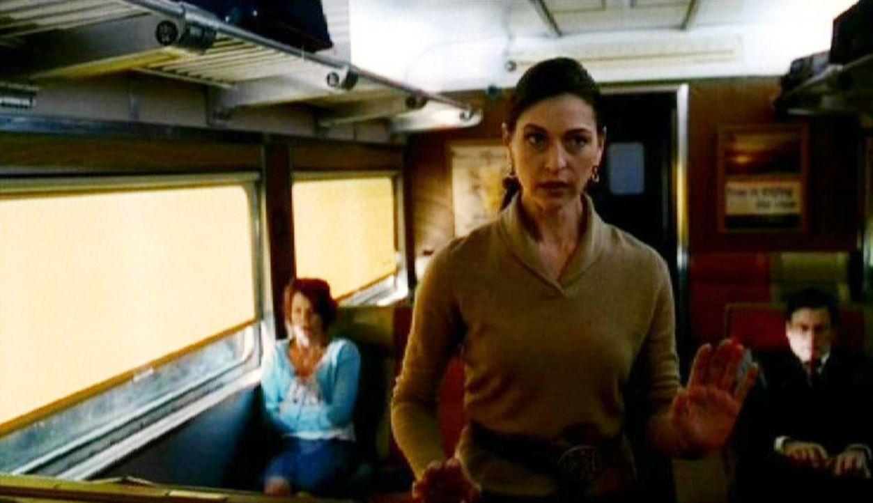 Linda Deaton (Susan Gibney), Dr. Bryans Therapeutin, versucht ihren Patienten zu beruhigen ... - Bildquelle: Touchstone Television
