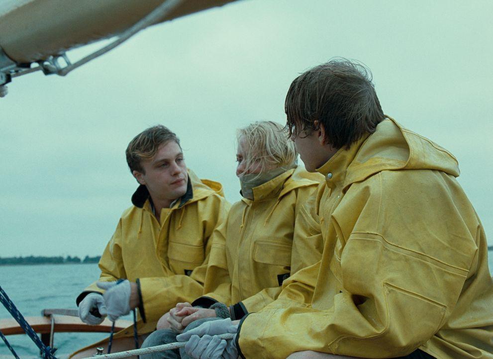 Was haben die beiden jungen Männer Paul (Michael Pitt, l.) und Peter (Brady Corbet, r.) mit der hilflosen Ann (Naomi Watts, M.) vor? - Bildquelle: 2008 Warner Brothers