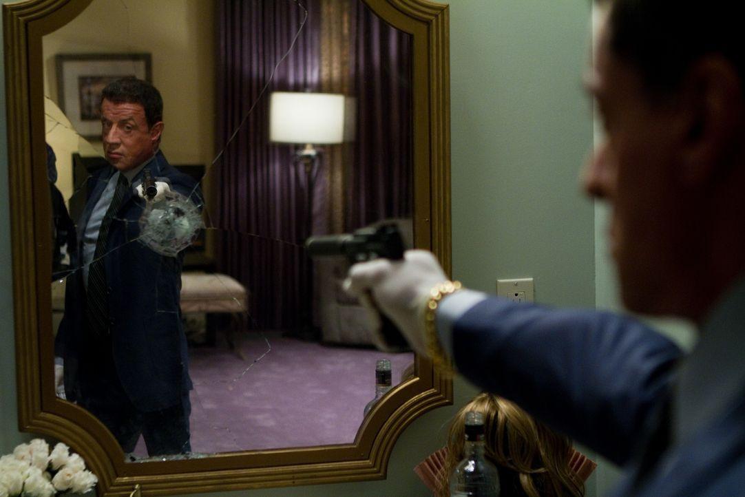 Auf dem Weg der Vergeltung ist mit Jimmy Bobo (Sylvester Stallone) nicht zu spaßen ... - Bildquelle: Frank Masi 2012 Constantin Film Verleih GmbH / Frank Masi