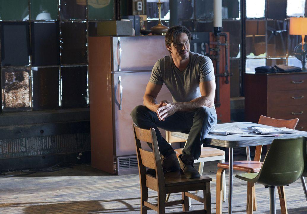 Vincent (Jay Ryan) wünscht sich nichts sehnlicher, als ein normales Leben führen zu können ... - Bildquelle: 2012 The CW Network, LLC. All rights reserved.