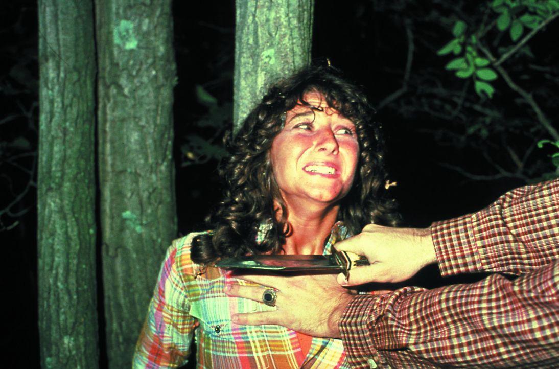 Wird der brutale Serienkiller auch Annie (Robbi Morgan) nicht verschonen? - Bildquelle: 1980 Warner Brothers International Television Distribution Inc.