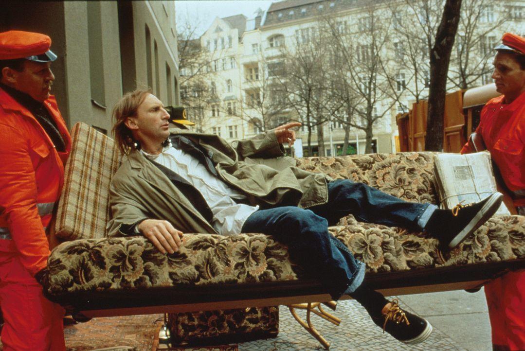 Otto (Otto Waalkes, M.) braucht dringend eine neue Wohnung, doch zu seinem Glück bekommt er Hilfe von Amor ...