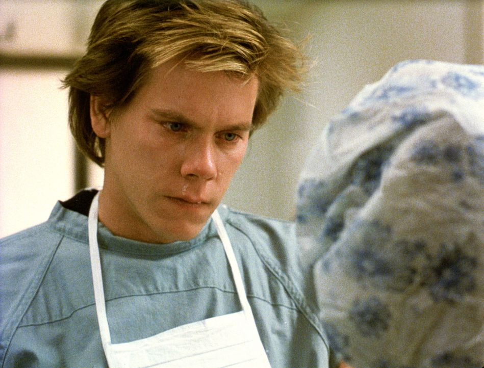 Jake (Kevin Bacon) erfährt, dass die Geburt seines ersten Kindes hohe Komplikationen mit sich bringen wird ... - Bildquelle: Paramount Pictures