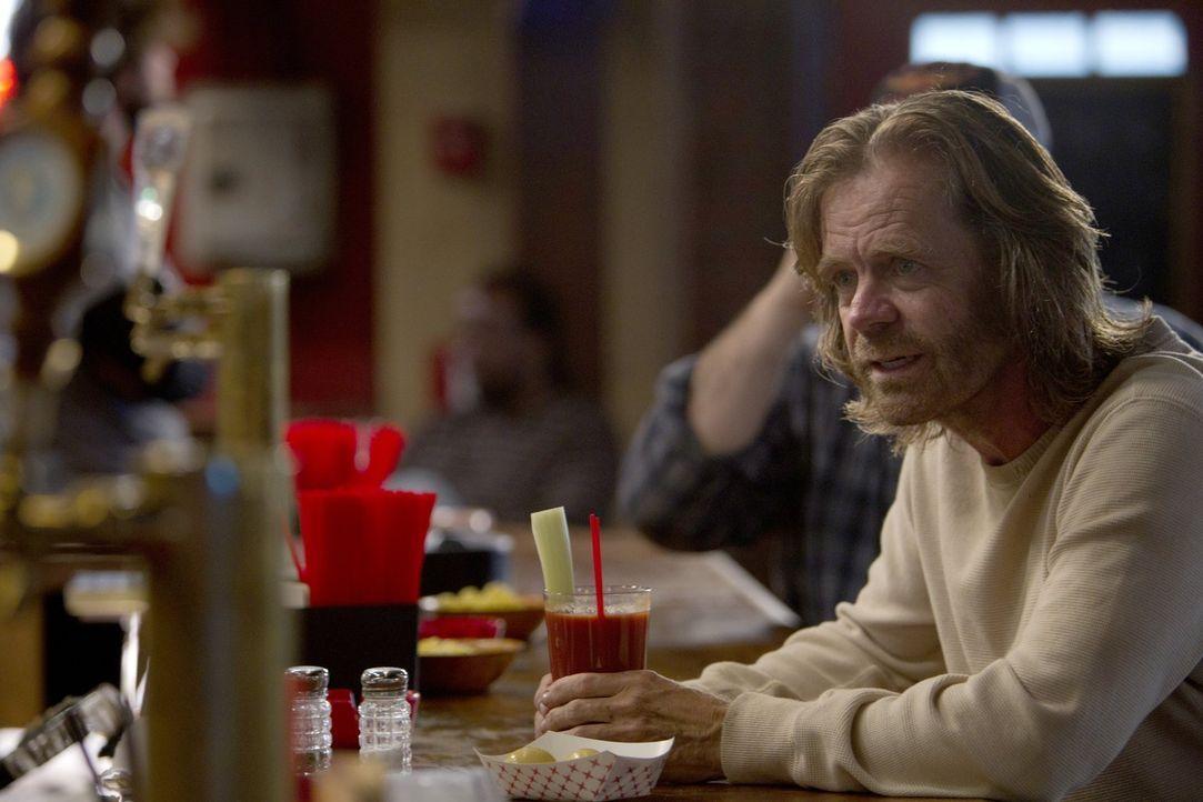 Wohin soll Frank (William H. Macy) jetzt nur? Der Alkoholiker hält es Zuhause mit Grammy Gallagher einfach nicht mehr aus ... - Bildquelle: 2010 Warner Brothers