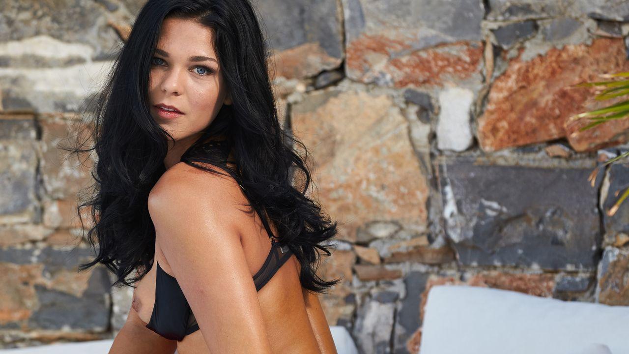 Estella-Keller-2 - Bildquelle: Sacha Eyeland für Playboy März 2016