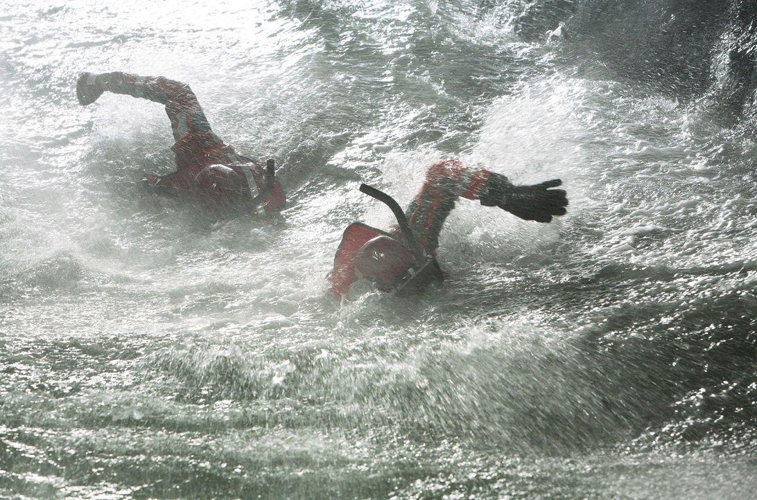 Jede Sekunde zählt für die Rettungsschwimmer ... - Bildquelle: Touchstone Pictures. All rights reserved
