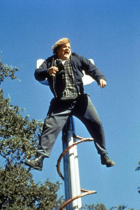 Das schwarze Schaf der Familie: Mike (Chris Farley) treibt seinen ehrgeizigen Bruder in den Wahnsinn ... - Bildquelle: Paramount Pictures