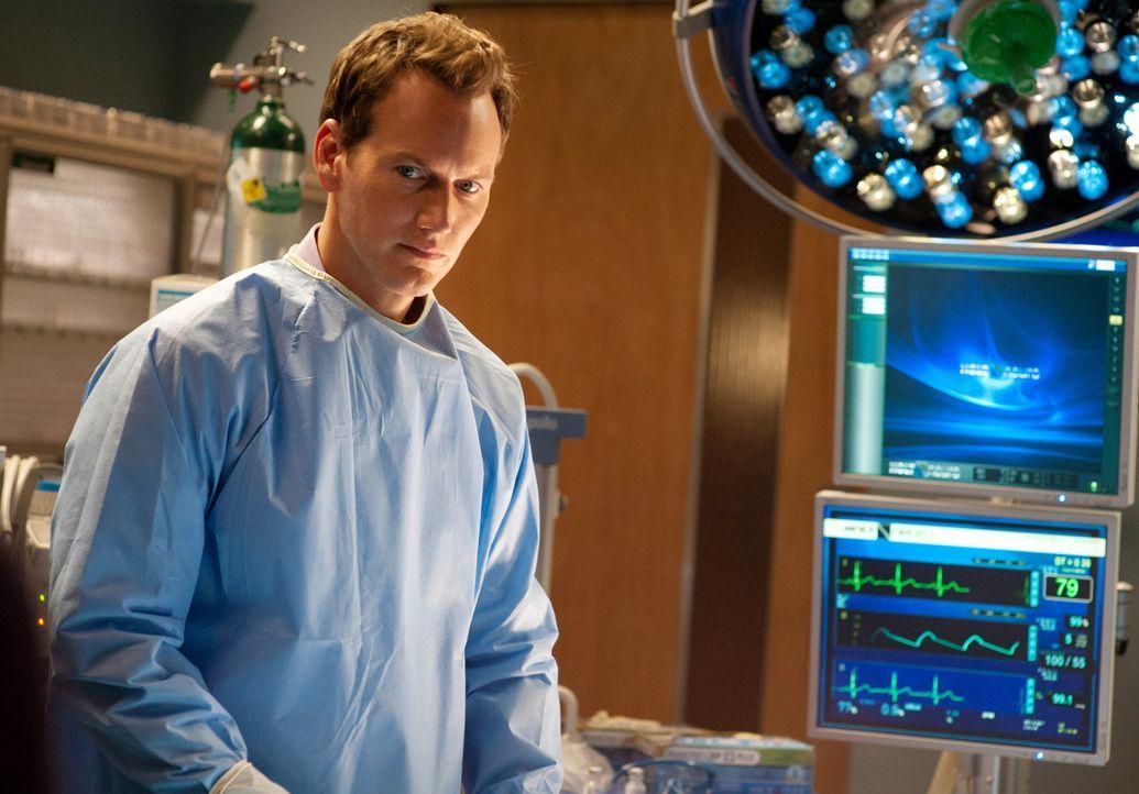 Kann Dr. Michael Holt (Patrick Wilson) das Leben des jungen David retten? - Bildquelle: 2011 CBS BROADCASTING INC. ALL RIGHTS RESERVED