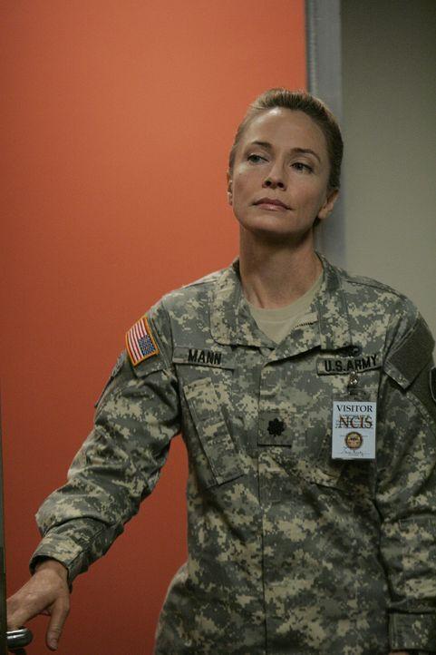 Übernimmt die Leitung in einem neuen Fall: Hollis Mann (Susanna Thompson) ... - Bildquelle: CBS Television
