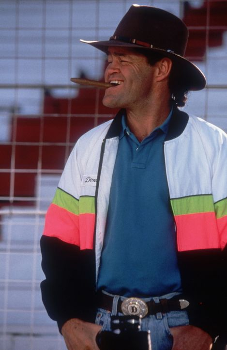 Der von sich sehr eingenommene Auto-König und Jury- Mitglied Donny (Micky Dolenz) kann nicht glauben, dass in einem Oldtimer durchaus das Herz eine... - Bildquelle: WALT DISNEY COMPANY