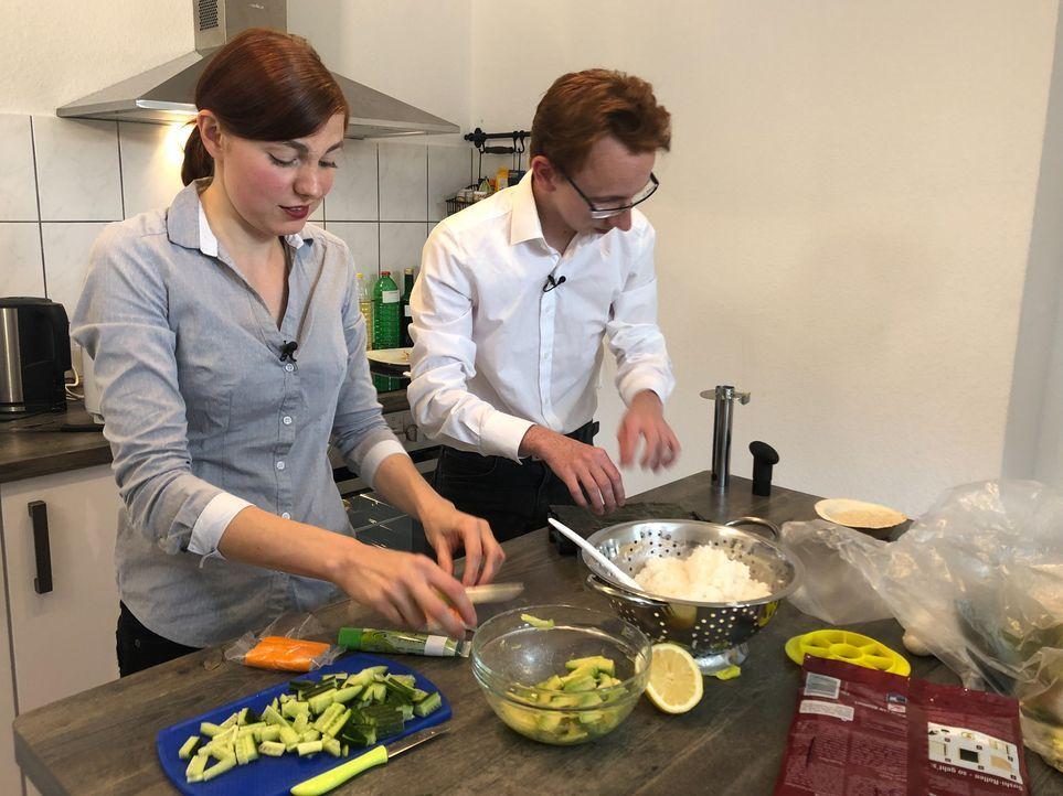 Sind sich sicher, dass sie gemeinsam genauso gut kochen können, wie sie tanzen: Nicole und Michael ... - Bildquelle: kabel eins
