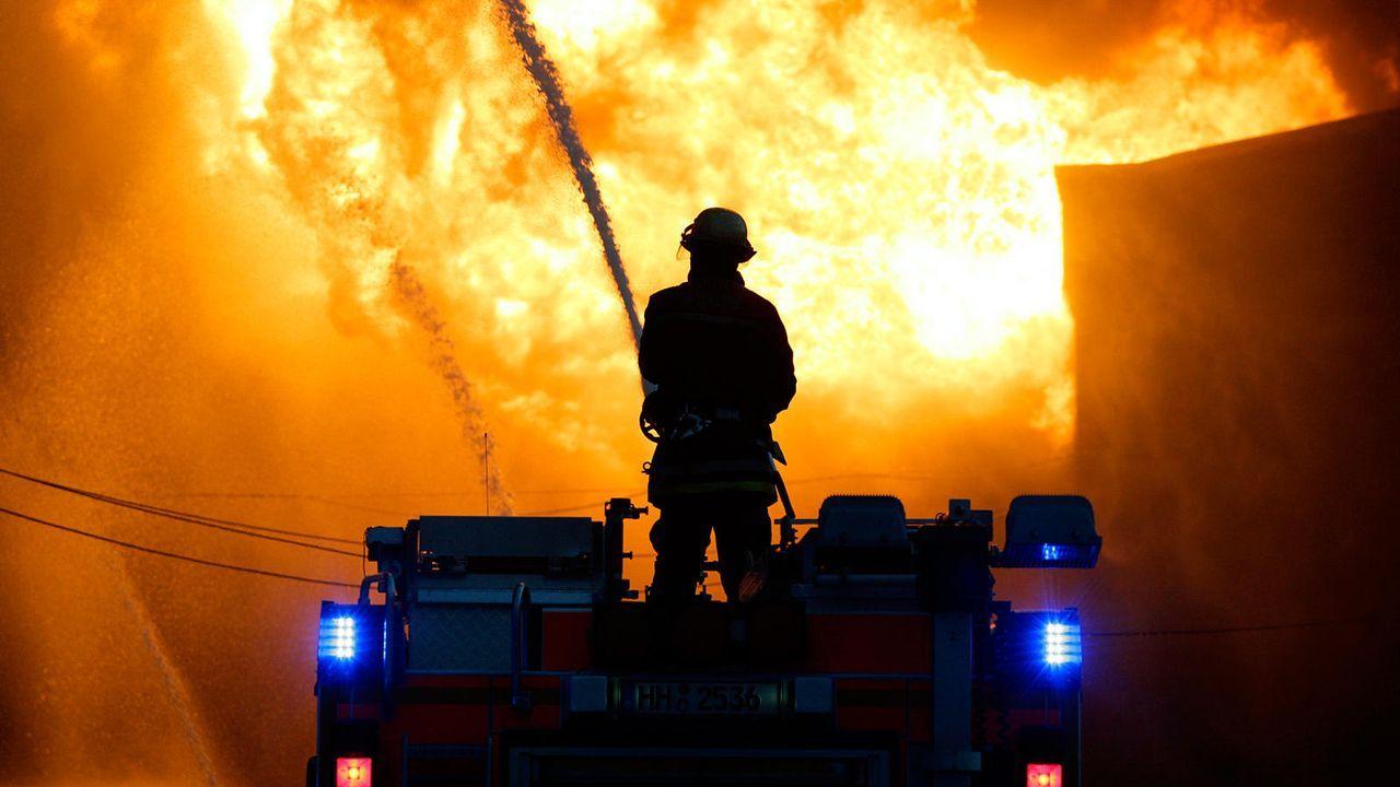 Feuerwehrmann - Bildquelle: dpa