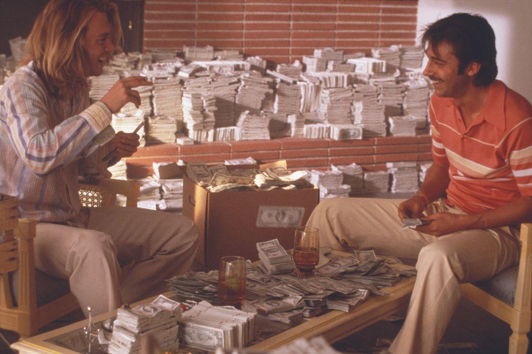 George Jung (Johnny Depp) hat nur ein Ziel: Er will reich werden, und das möglichst schnell! Nach einem misslungenen Marihuana-Deal lernt er im Knas... - Bildquelle: New Line Cinema