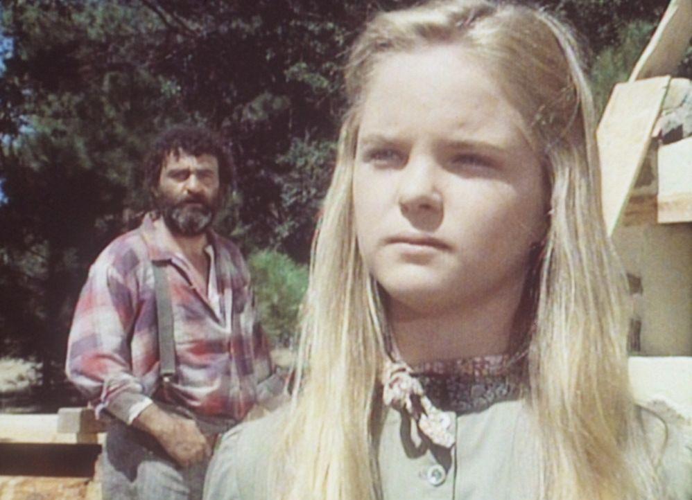 Mary (Melissa Sue Anderson, r.) und Mr. Edwards (Victor French, l.) machen sich Gedanken um John. - Bildquelle: Worldvision