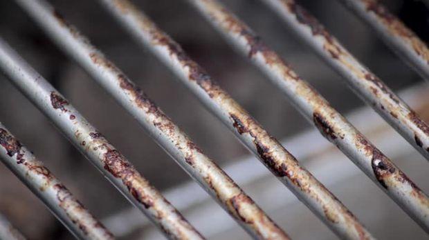 Landmann Gasgrill Säubern : Gasgrill reinigen einfach den grillrost sauberbrennen