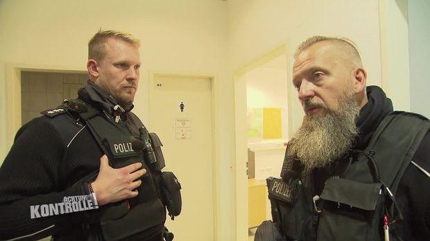 Achtung Kontrolle - Achtung Kontrolle! - Thema U.a.: Waffenfund Am Hauptbahnhof - Bundespolizei Freiburg